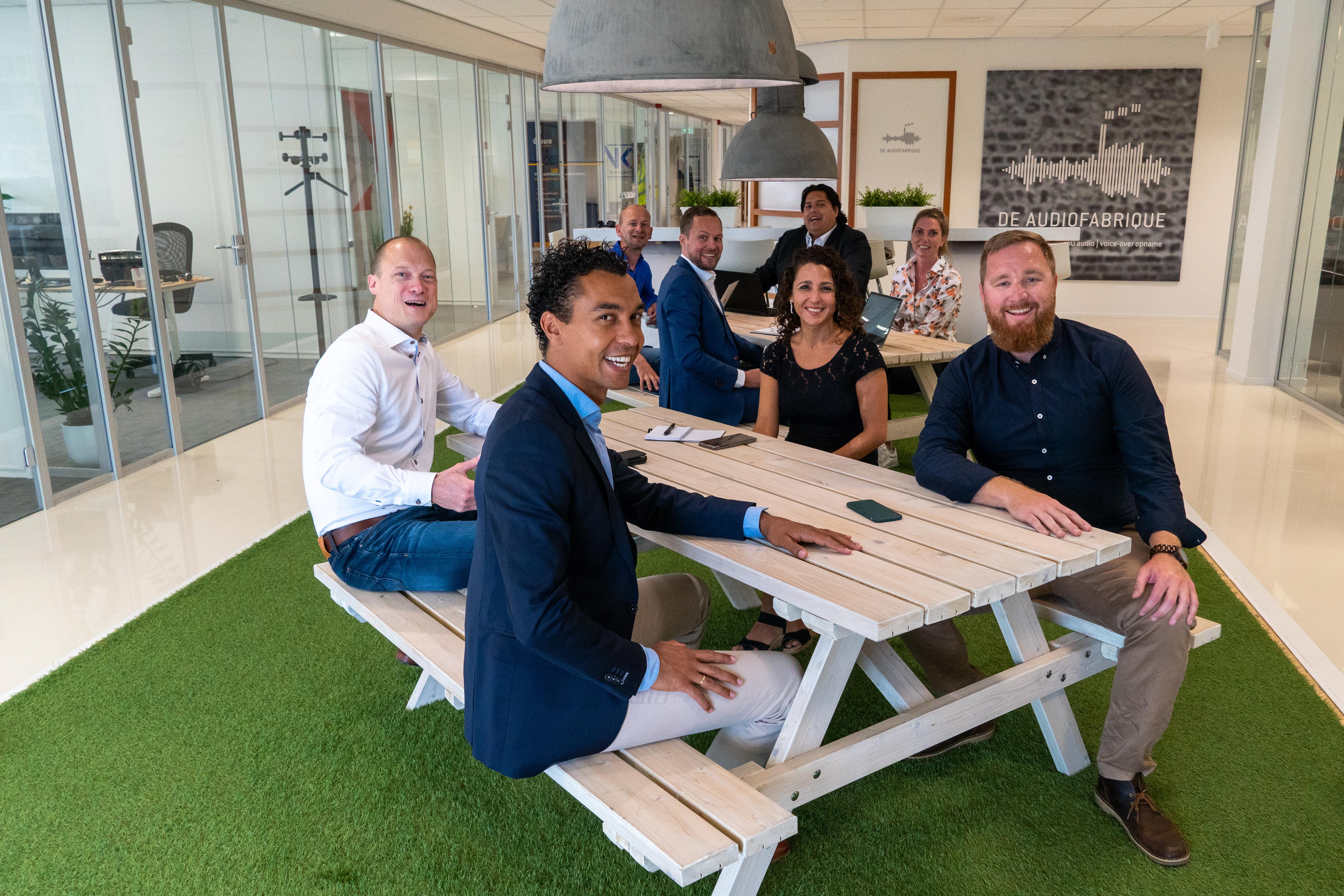 Jouw huis verkopen met het verkoop team van VK Makelaars uit Haarlem.