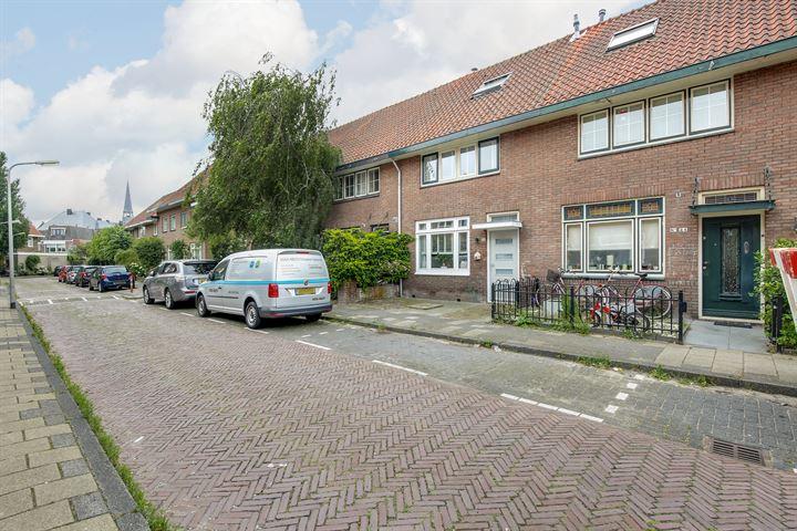Deken Waarestraat 22, Beverwijk